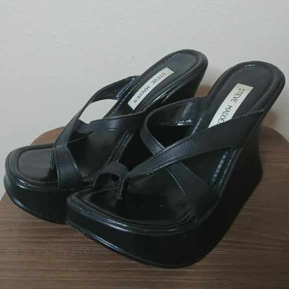 e4587385f17 Vintage 90's Steve Madden Fletch Wedge Sandal